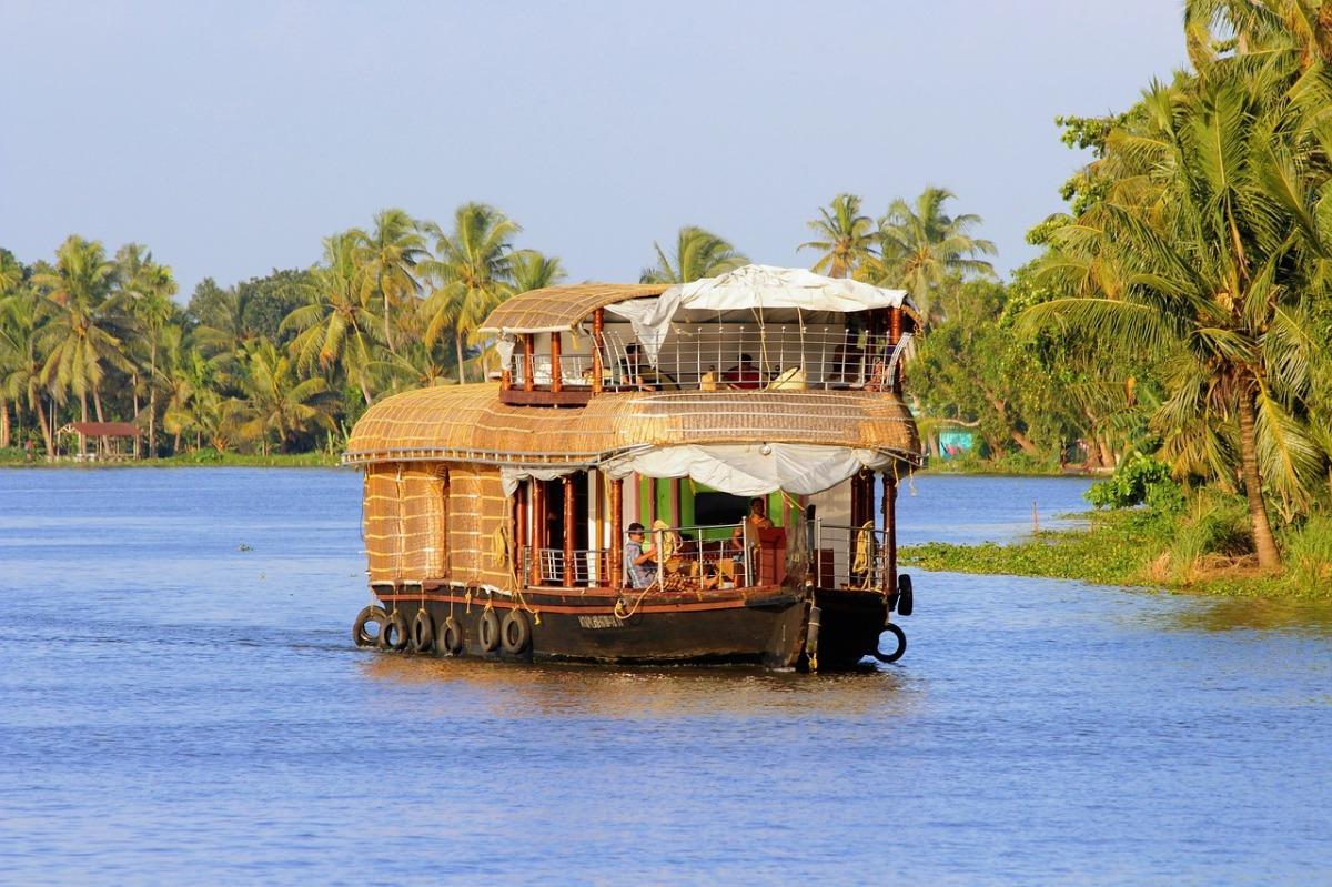 Heena Tours And Travels Kerala